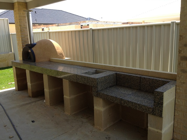 Perth Outdoor Kitchen With Woodfired Pizza Oven
